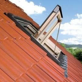 Fakro FSR P1 17 PINE Centre Pivot 134x140cm Smoke Ventilation Kit